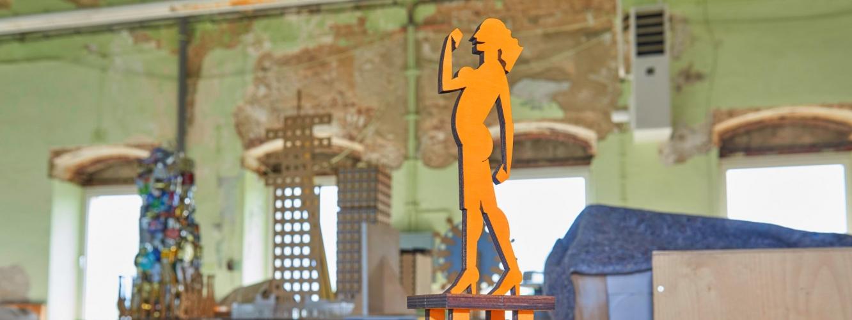 Eine Schichtholzfigur aus dem Atelier Ettl